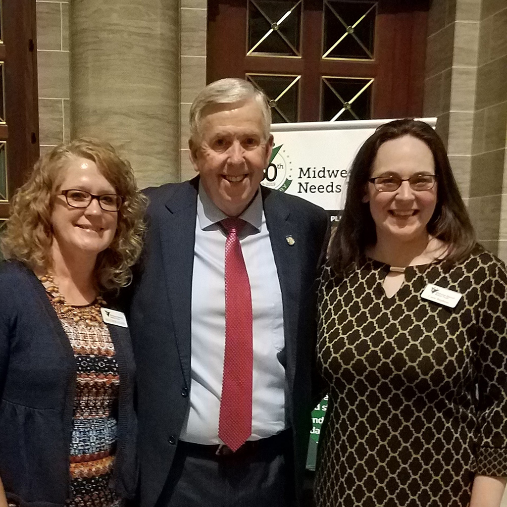 casie-stephens-heather-allen-governor-mike-parson-model-employer-talent-showcase-2019